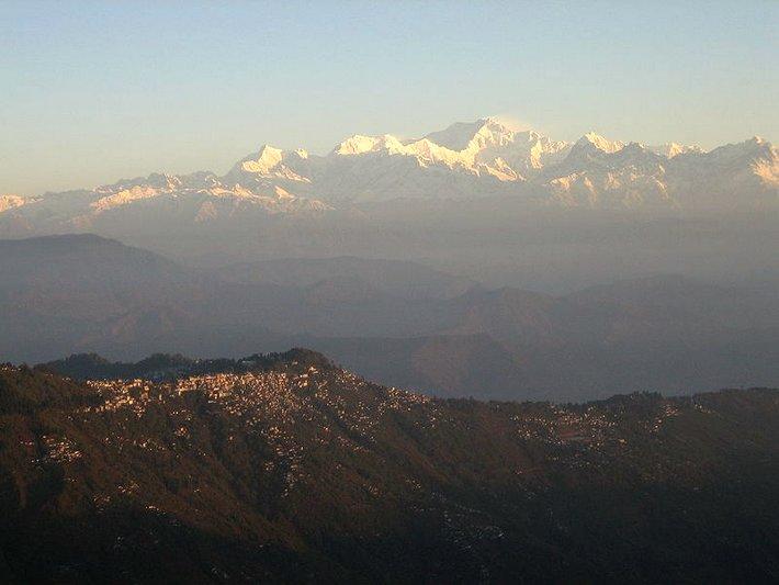 Pohled hora a město Darjeeling