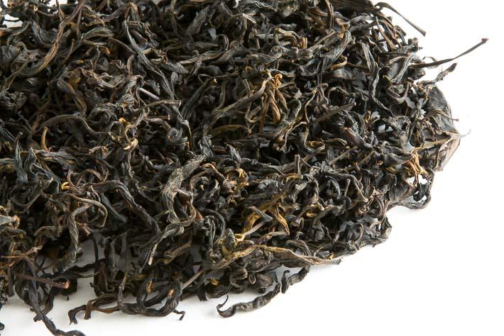 Ručně rolovaný čaj z gruzínského Chakvi - list