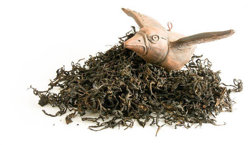 Ručně rolovaný čaj z gruzínského Chakvi - zátiší