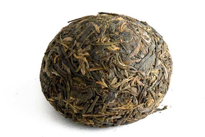 Hnízdo zeleného puerhu z Lin-cchangu - celé hnízdo