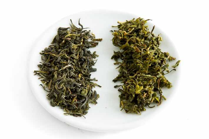 Zelený Assam - suchý a mokrý list